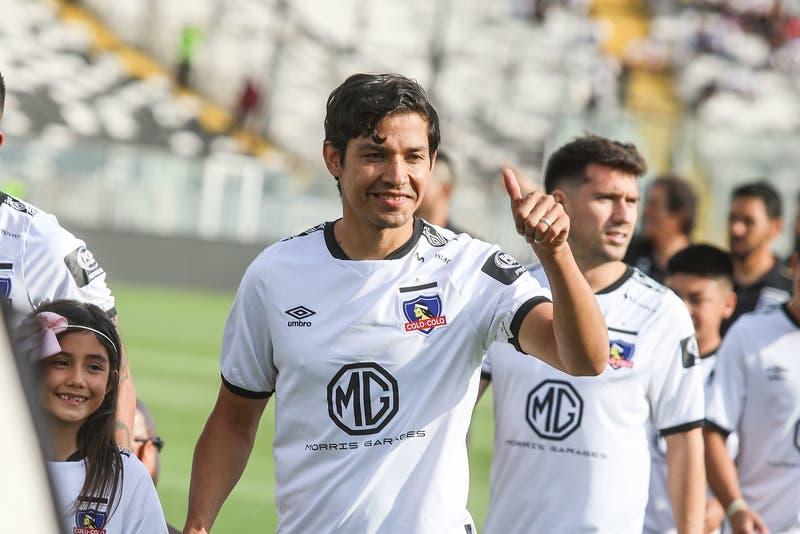 """Matías Fernández seguirá hasta el fin del campeonato en Colo Colo: """"De acá me sacan con carabineros"""""""