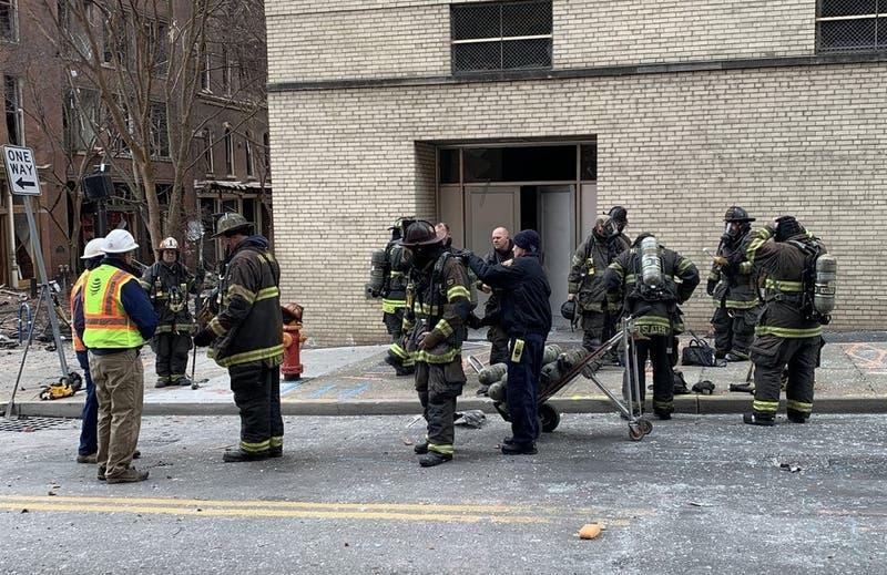 Prensa estadounidense reporta hallazgo de restos humanos en zona de explosión en Nashville