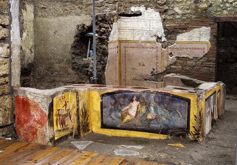 Descubren en Pompeya un termopolio, un antepasado de los locales de comida rápida actuales