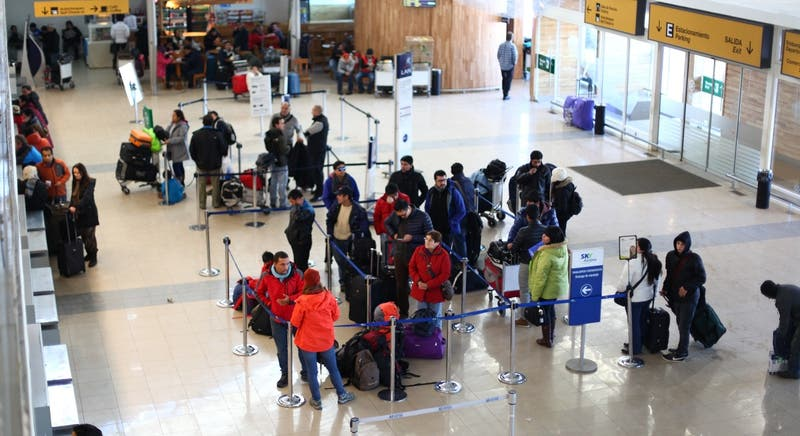 Detección de casos COVID-19 obligó a cerrar preventivamente aeropuerto de Punta Arenas