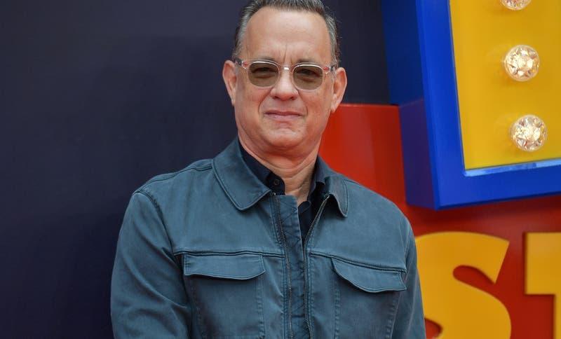 """Tom Hanks sorprendió con """"perturbador"""" nuevo look para su personaje en la biopic de Elvis Presley"""