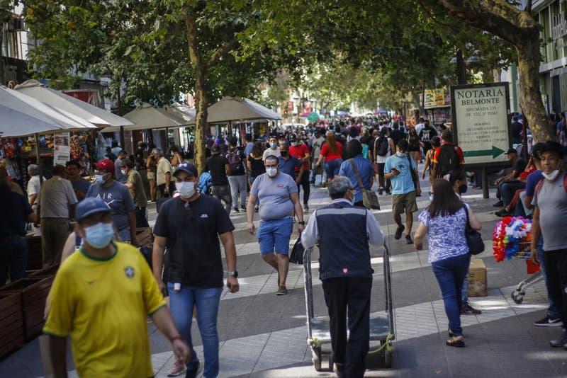 Economía chilena deja atrás ocho meses de caídas consecutivas y repunta levemente en noviembre