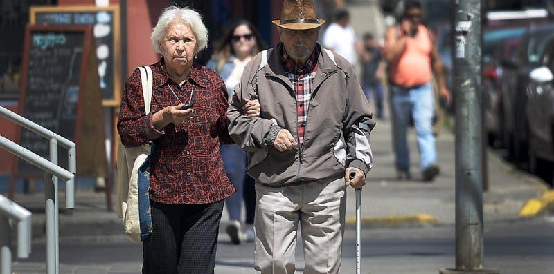 Reforma de pensiones: Oposición se abre a subir tasa de cotización al 18%
