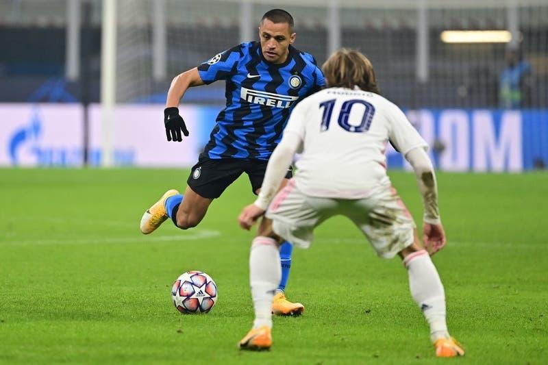 Alexis Sánchez vuelve a la titularidad en el Inter de Milán