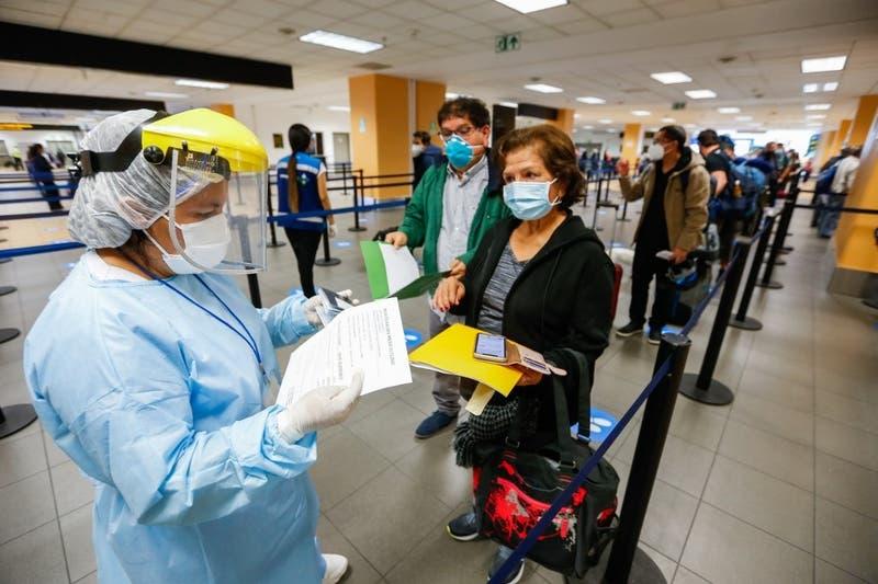 Perú confirma que el país vive la segunda ola de contagios de COVID-19