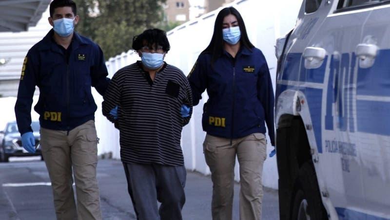 Caso María Isabel Pavez: PDI dice que Igor González intentó alcanzar un cuchillo cuando fue detenido