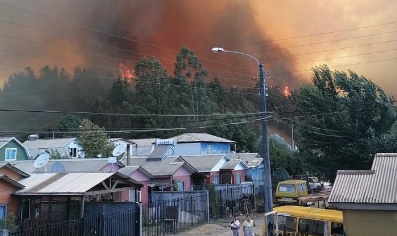 Onemi ordena evacuar Villa Esmeralda en Región de La Araucanía por incendio forestal
