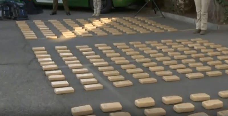 """Operación """"La Tríada"""": Carabineros decomisa más de 600 kilos de droga en la región Metropolitana"""