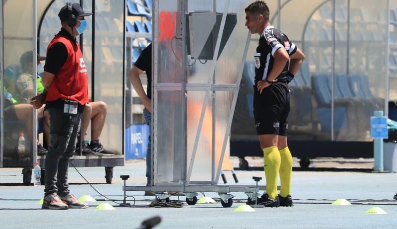 Conflicto entre árbitros y el Canal del Fútbol amenazaría con paralizar el Campeonato Nacional