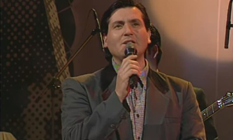 Cantante nacional Alejandro de Rosas está hospitalizado tras sufrir un infarto