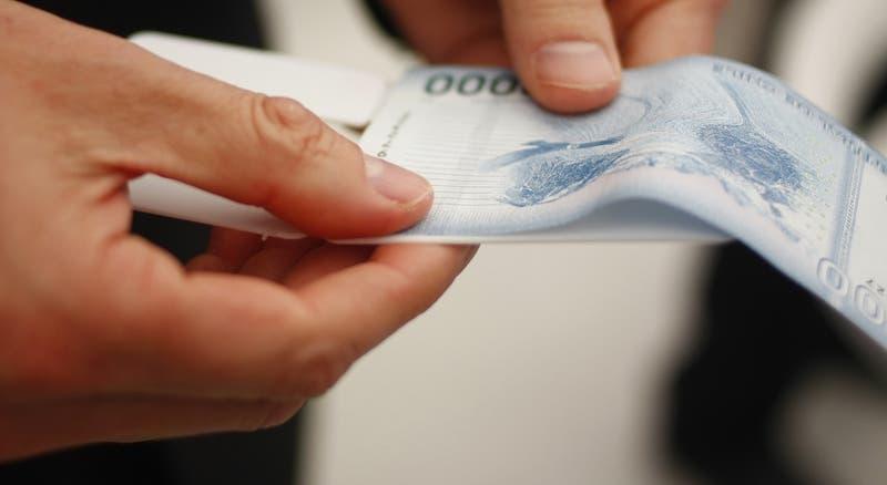 Isapres realizarán devolución de excedentes por más de $49 mil millones: Revisa las fechas de pagos