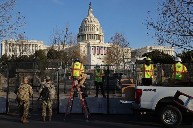 """Fiscales creen que turba que entró a Capitolio pretendía """"capturar y asesinar"""" a legisladores"""