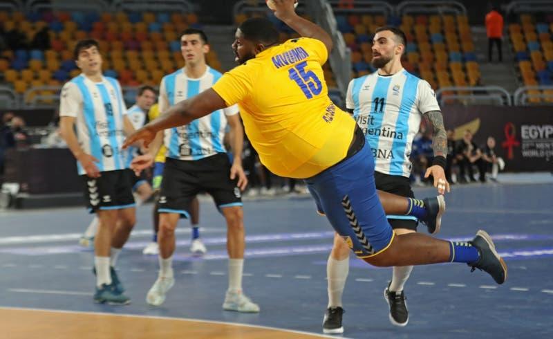 Pivote congoleño de más de 100 kilos se roba las miradas en el Mundial de Handball