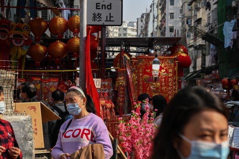 China confina a tres millones por foco provocado por vendedor