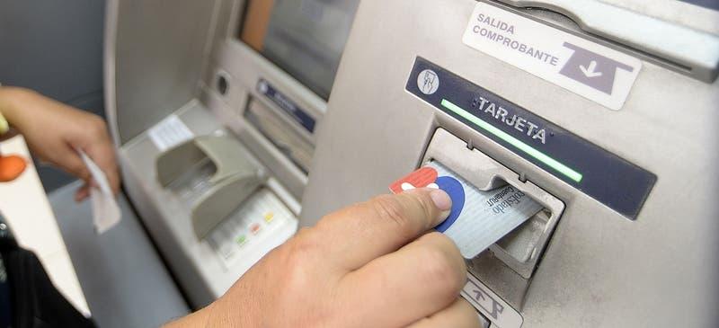 Renovación de tarjeta CuentaRut tendrá cambio en valor de los giros en cajeros automáticos