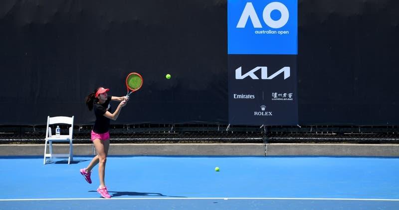 Dos tenistas más dan positivo por COVID-19 y Abierto de Australia ya suma diez contagios