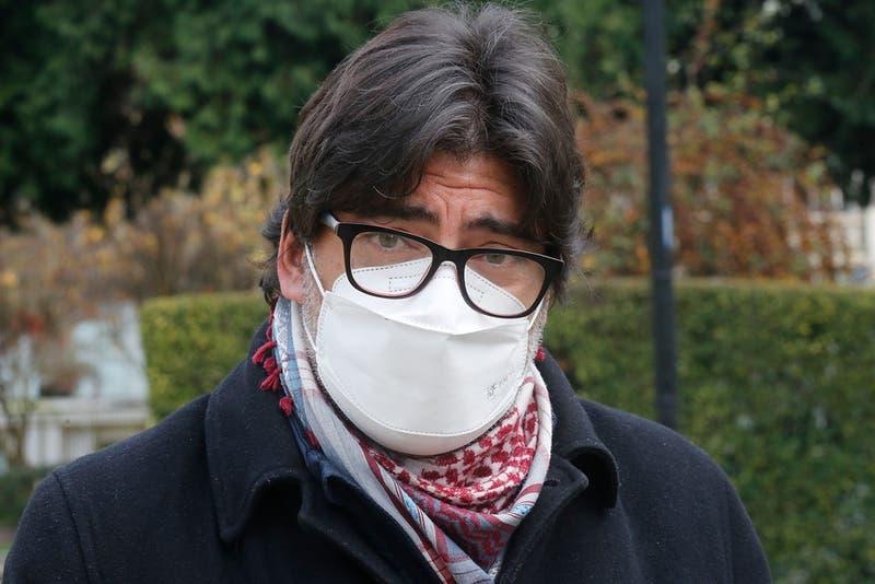 """ISP critica """"exposición"""" del medicamento que trajo Daniel Jadue y dice que """"confunde a la población"""""""