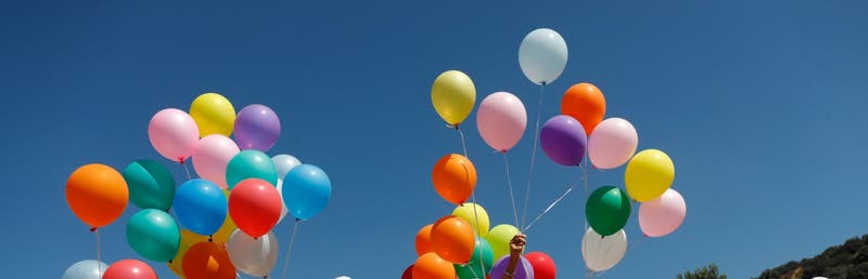 Fiesta clandestina: dictan expulsión de dos extranjeros que participaban en cumpleaños infantil