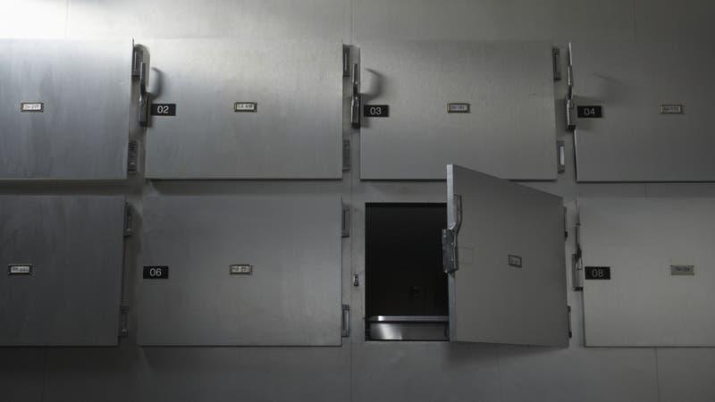 Médicos declaran muerto a bebé recién nacido, pero estaba vivo y fue ingresado a la morgue