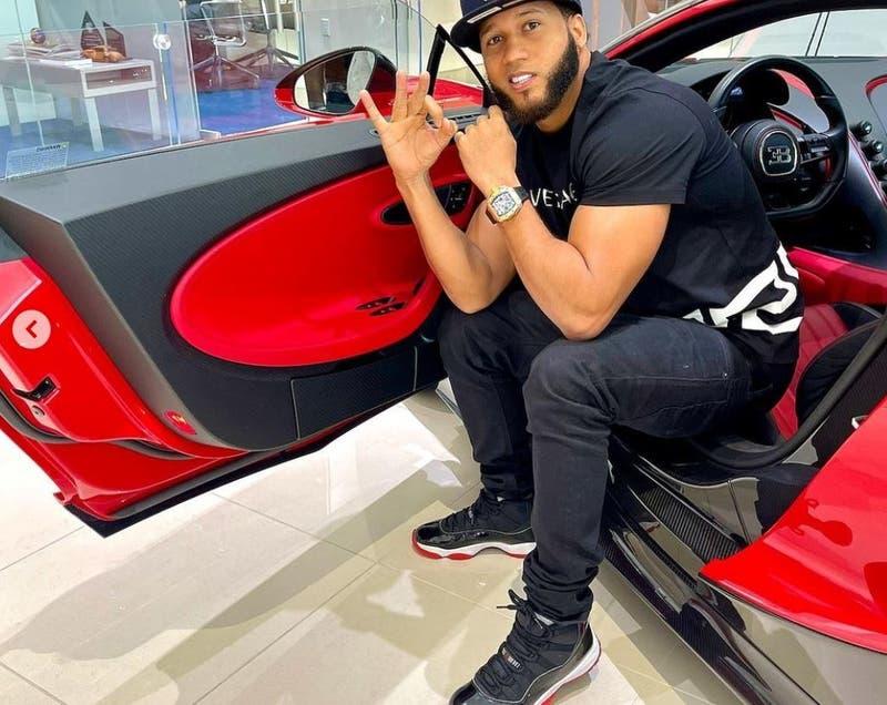 El Alfa se disculpa tras foto con Bugatti que no compró