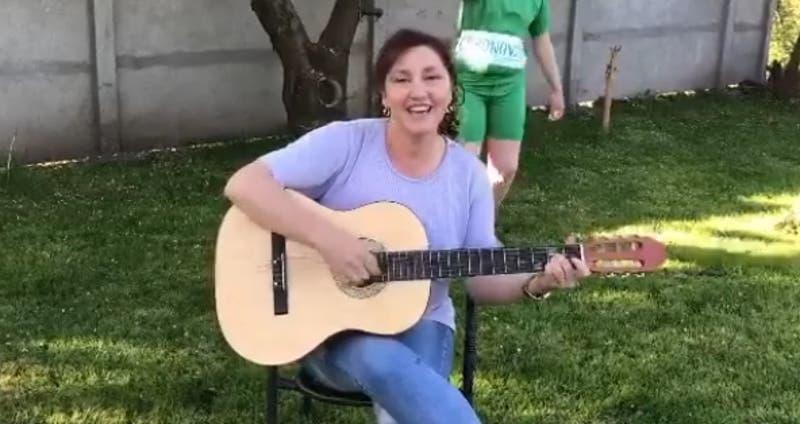 """Protagonista de viral """"Adiós tía Paty"""" será candidata a concejal por el partido de Kast"""