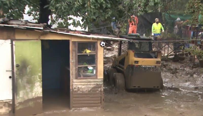 Autoridades llaman a juntar agua ante eventual corte masivo