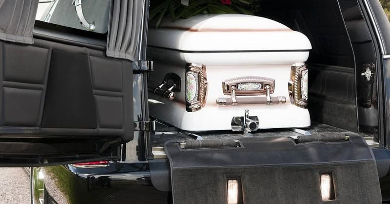 """Insólito hecho en Austria: Funeraria """"olvidó"""" retirar cadáver y estuvo dos meses en un departamento"""