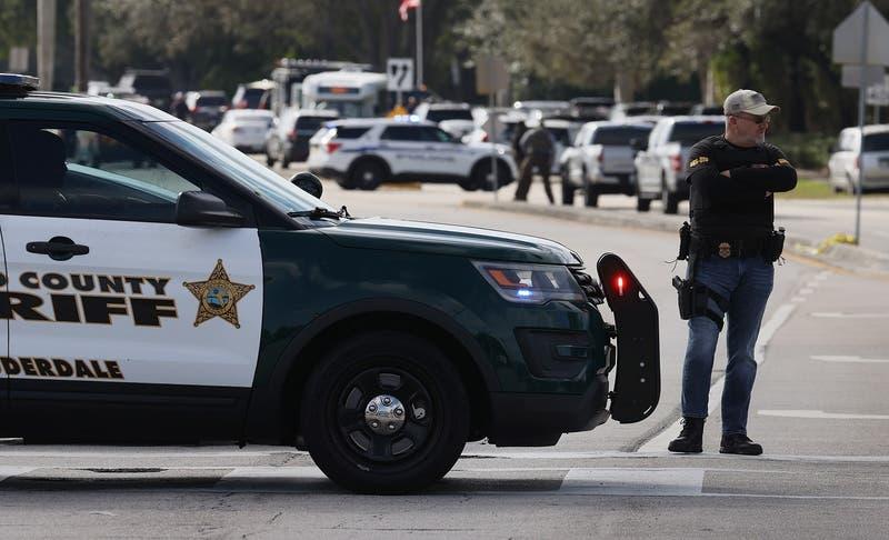 Dos agentes del FBI muertos y tres heridos deja tiroteo en Florida, Estados Unidos