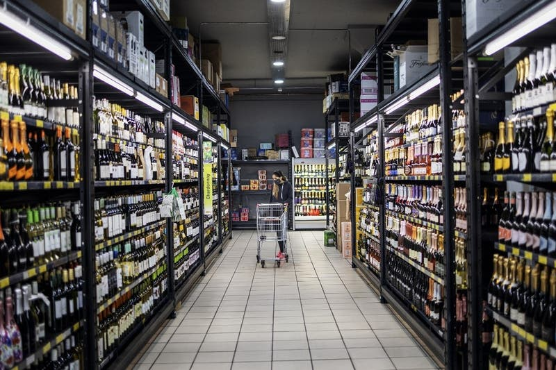 """Shopping de solteros"": Supermercado ayuda a solteros a encontrar pareja en tiempos de coronavirus"