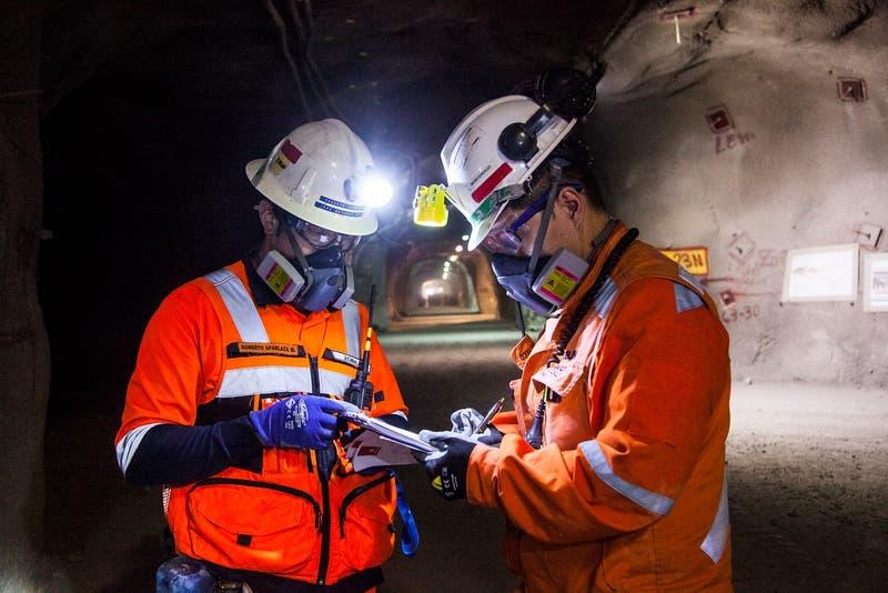 Se detiene crecimiento en empleo minero: sector pierde 1.700 puestos de trabajo en último trimestre