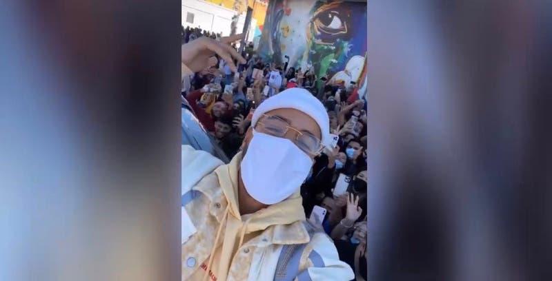 Maluma en el centro de la polémica: realizó encuentro con fans y policía llegó a detener el evento