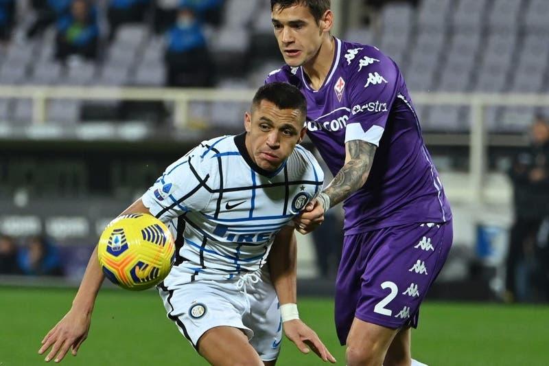 Inter de Vidal y Alexis vence en duelo de chilenos a la Fiorentina de Pulgar por la Serie A