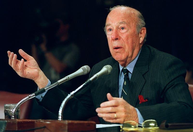 Murió George Shultz, el secretario de Estado de EEUU que contribuyó al fin de la Guerra Fría
