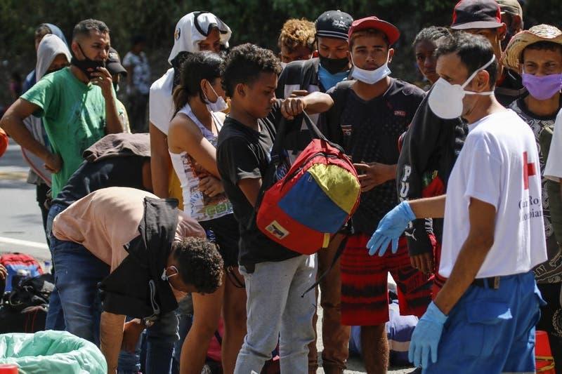 Colombia anuncia una regularización masiva de migrantes venezolanos