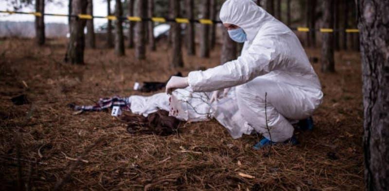 Matan a argentina de 18 años y arrestan a ex novio policía