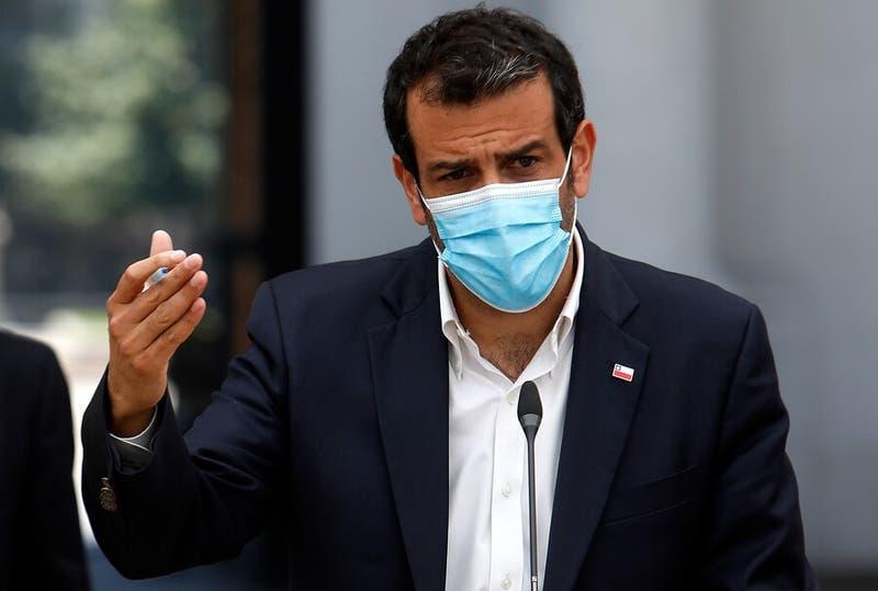 """Ministro Delgado tras reunión con camioneros: """"Los invité a revisar el acuerdo de septiembre"""""""
