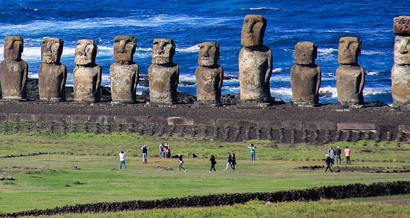 Posponen vuelo de retorno a Rapa Nui por toma de aeropuerto