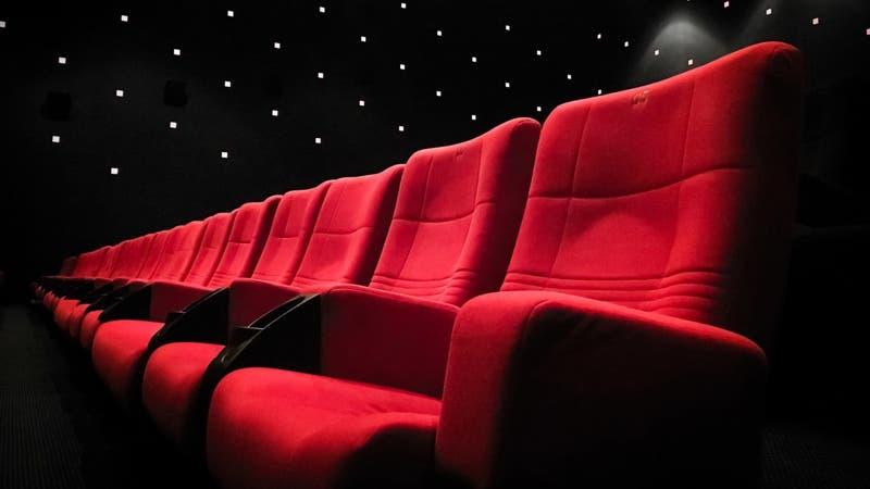 Reapertura de cines: Revisa desde cuándo funcionarán y cuáles son los aforos según comuna