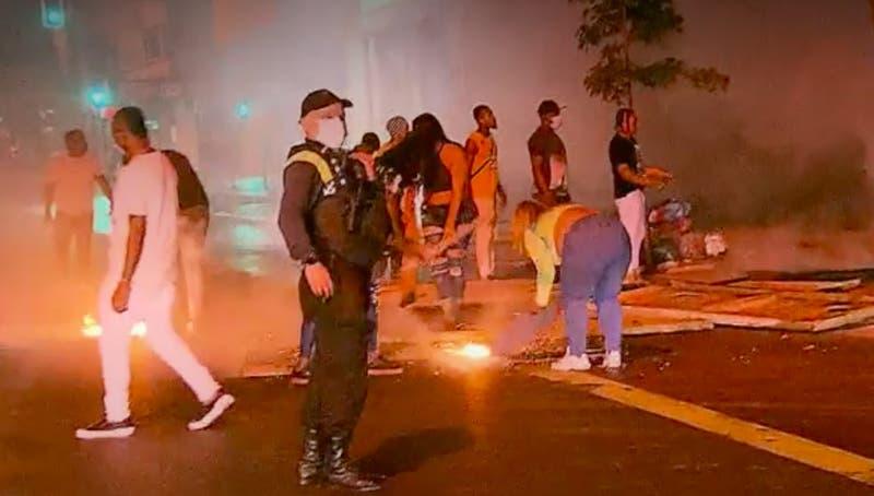 [VIDEO] Masiva fiesta ilegal terminó en incendio