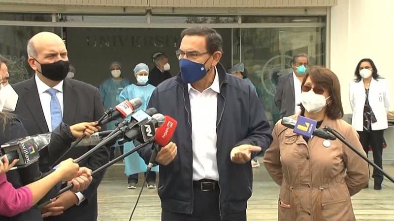 """""""Vacunagate"""" en Perú: 487 personas se habrían vacunado en forma irregular"""