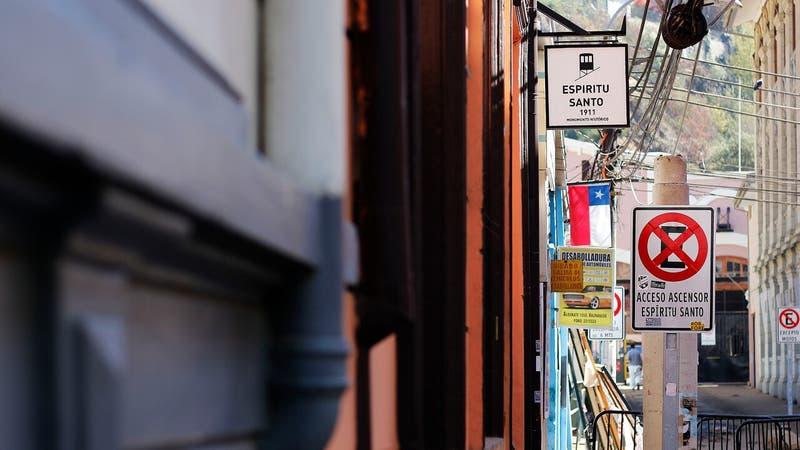 Valparaíso: ladrón grave tras caer de escalera por linchamiento