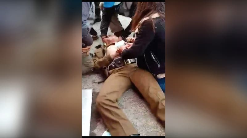 [VIDEO] Dos carabineros baleados tras frustrar asalto en Villarrica