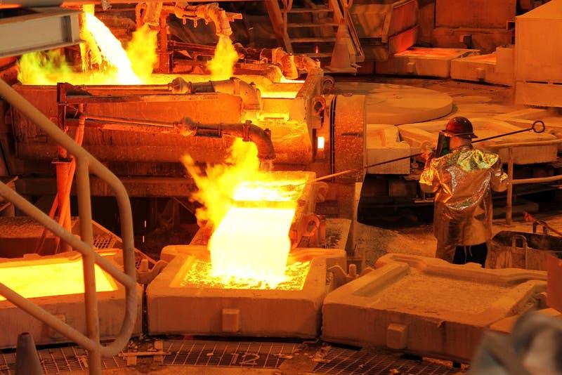 El cobre supera la barrera de los US$ 4: cómo afecta a un chileno