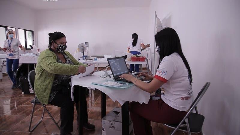 """[VIDEO] """"Las rutas salvavidas"""" en La Serena: donación de sangre a domicilio"""