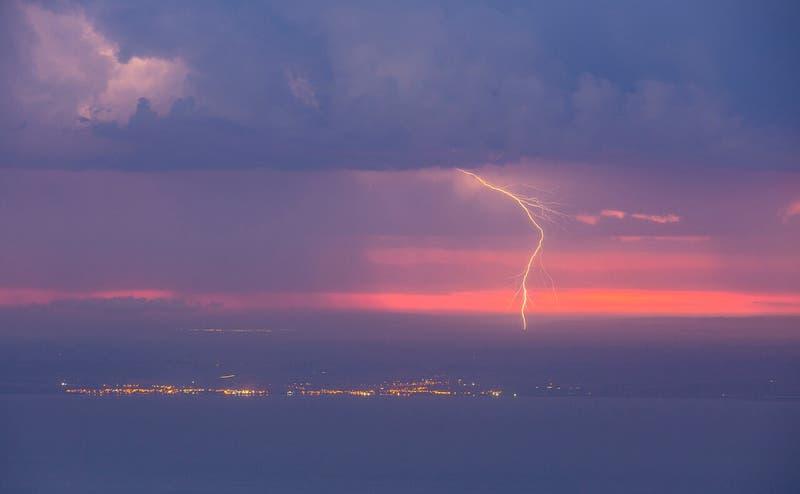 Emiten aviso por tormentas eléctricas en el norte grande del país