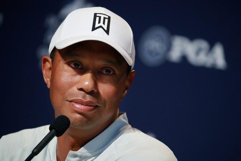 Tiger Woods es trasladado de hospital para seguir su recuperación