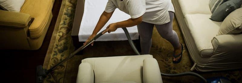 Hombre deberá pagar millonaria indemnización a su ex esposa por no ayudar en las tareas del hogar