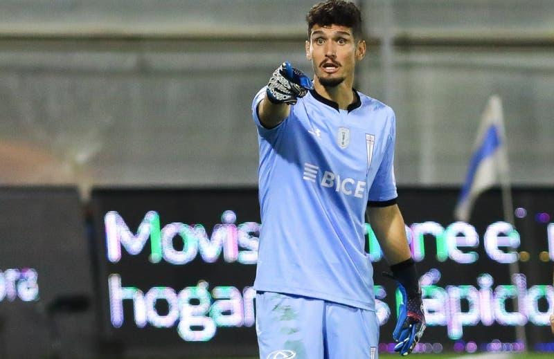 Portero de la UC Matías Dituro es elegido el mejor futbolista de la temporada 2020