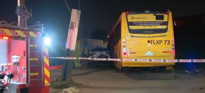 Dos personas murieron tras violento accidente vehicular en Puente Alto