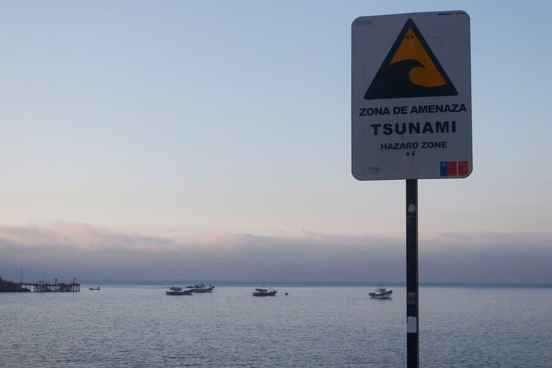 Alerta de tsunami menor: el horario estimado del arribo de oleaje en las diferentes zonas del país